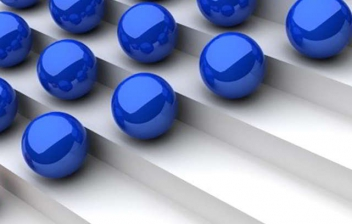 bolas azules y rojas mostrando una pirámide invertida