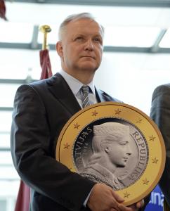 retraso-jubilacion-Olli-Rehn