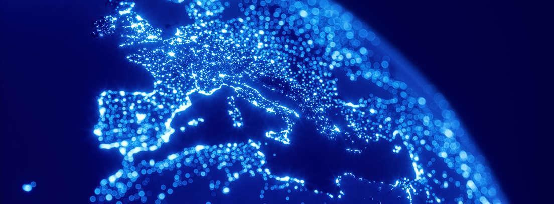 Globo terráqueo que muestra el territorio europeo con luces azules