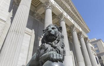 León de la fachada del Congreso de los Diputados