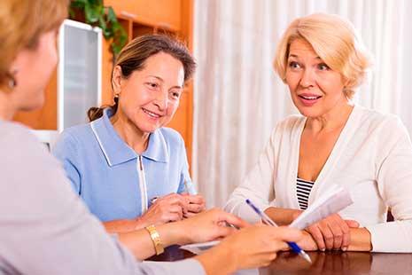 reunión de personas mayores