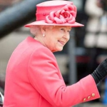 La Reina Isabel II no entiende de edad de jubilación