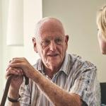 ¿Residencia para mayores o enfermera en casa?