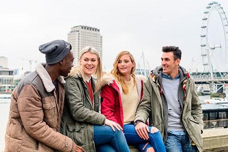 Grupo de jóvenes en Londres