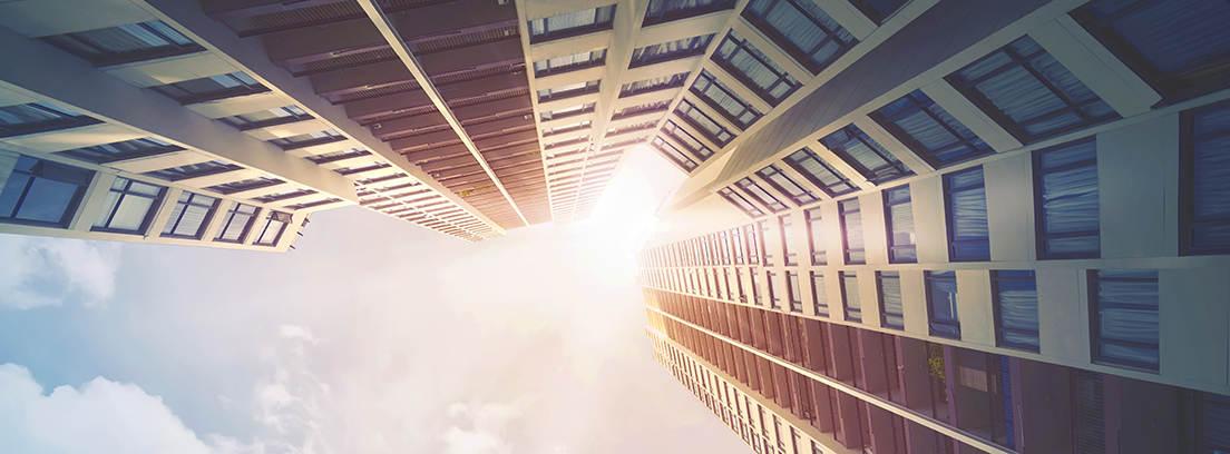 Edificio visto desde abajo
