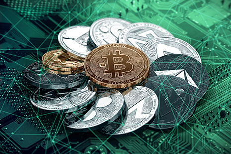 Criptomonedas formando un círculo con un bitcoin dorado en el medio