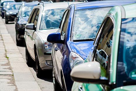 Hilera de coches en circulación