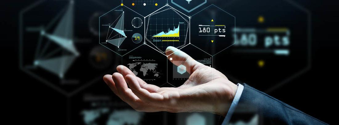 Mano sujeta iconos sobre datos y Big Data