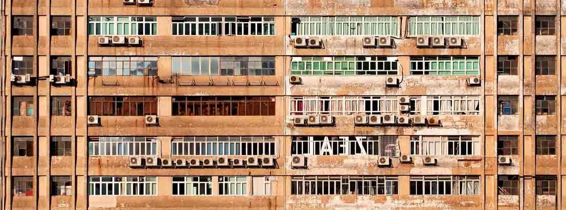 Fachada de un bloque de viviendas
