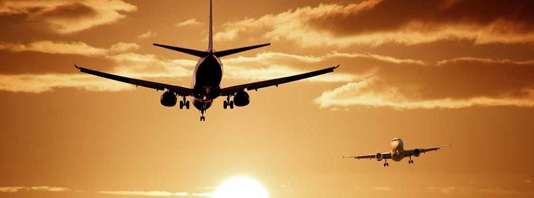 dos aviones en el cielo