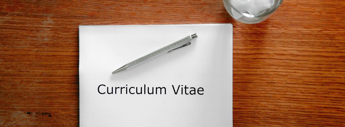 folio sobre el que aparece currículum vitae