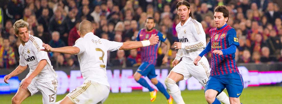 Partido de fútbol entre el Real Madrid y el Barça