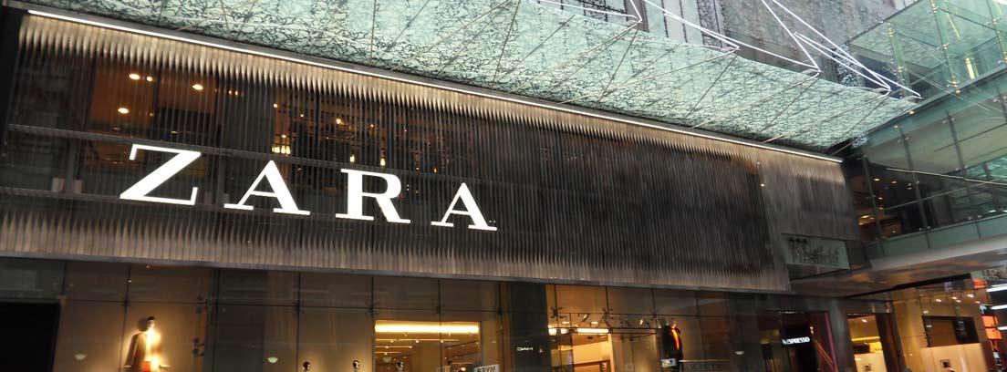 Fachada de una de las tiendas Zara del grupo Inditex, cuyo patrimonio forma arte de una de las mayores fortunas de España