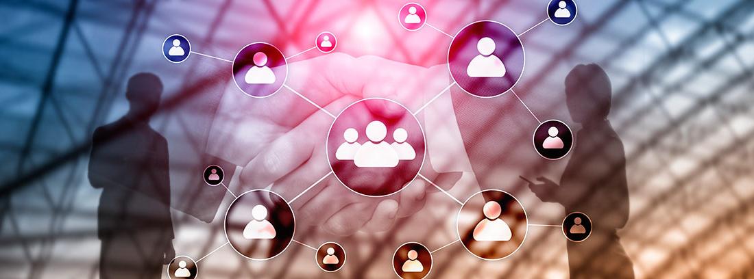 Infografía con dos sombras de personas y varios círculos con personas dentro como metáfora de los negocios multinivel