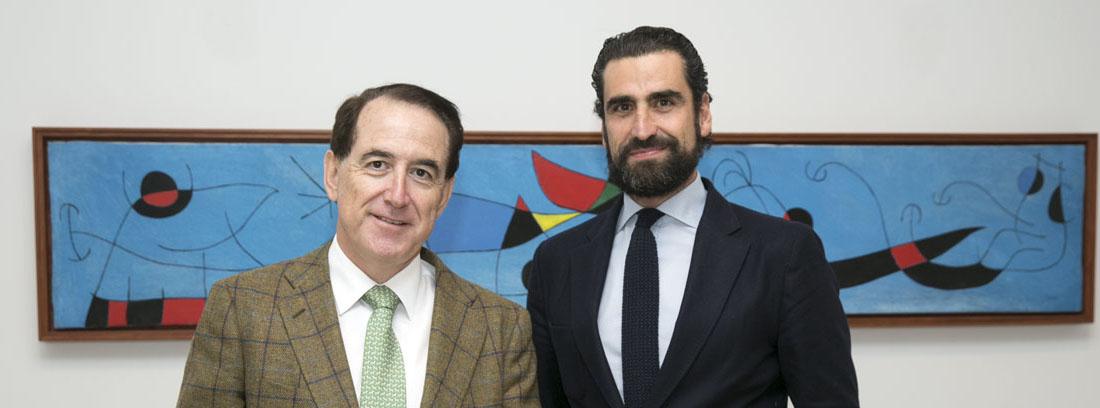 """Antonio Huertas e Iñaki Ortega, coautores del libro """"La revolución de las canas"""""""