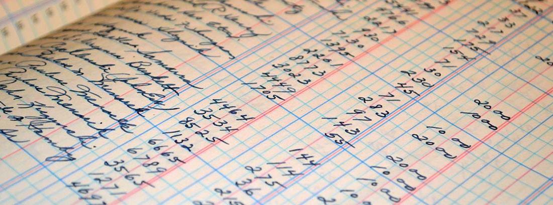 Cuaderno con cifras