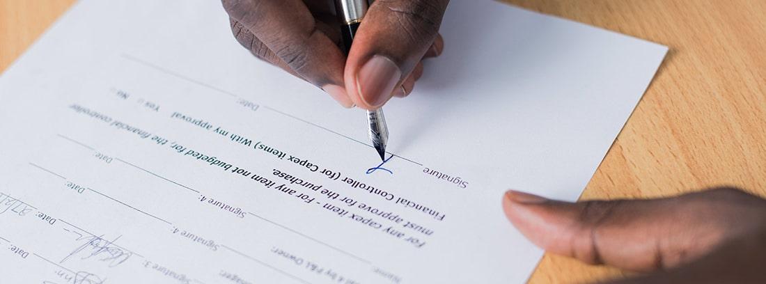 La coexistencia de dos contratos con la misma empresa no deberá rebasar las 40 horas semanales conjuntas de jornada laboral