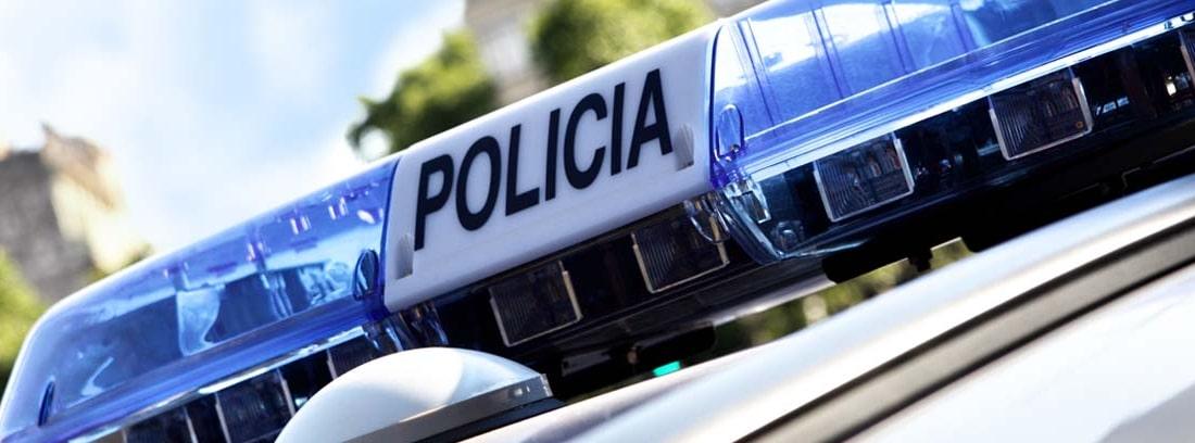 Detalle de la sirena de un coche de policía