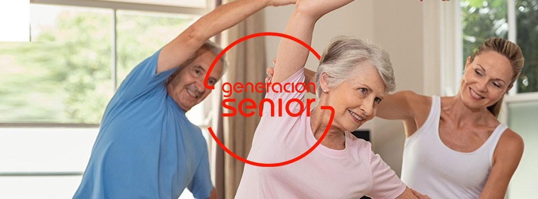 Gimnasia para Senior: senior realizando gimnasia con un monitor