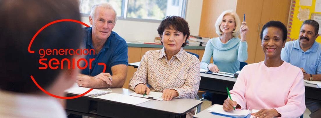 Universidad para mayores: personas mayores en un aula