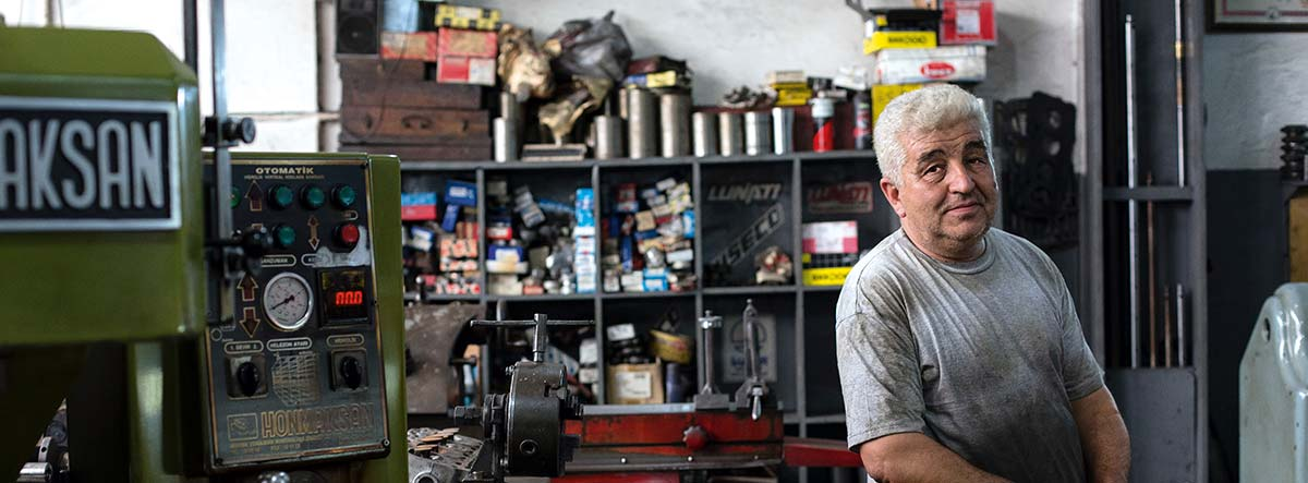 Trabajador de un taller mecánico
