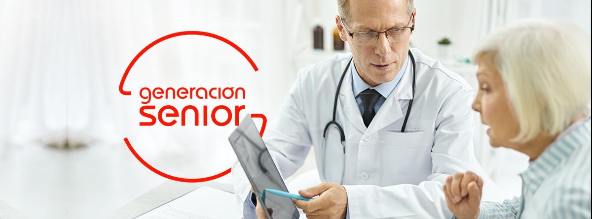 Mujer senior pidiendo una segunda opinión médica